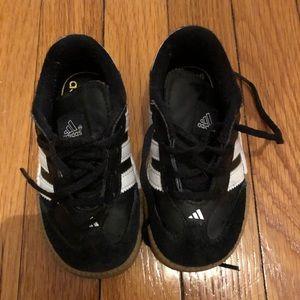 Other - Adidas Samba Size 7 Unisex sneakers